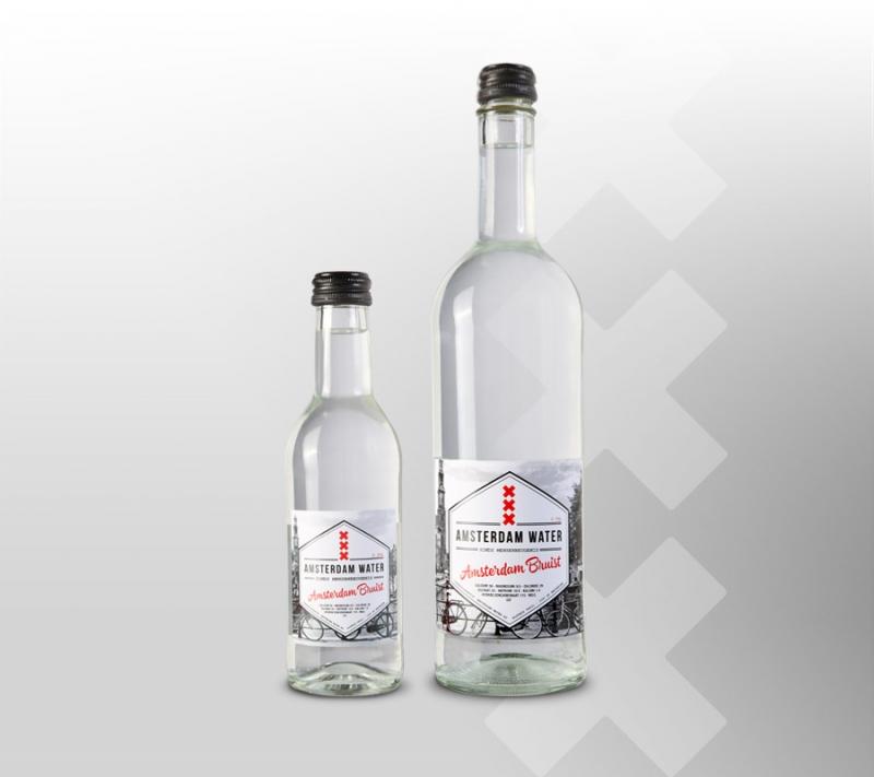 bruisend-adam-fles-op-grijs-breed