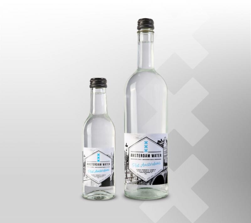 plat-adam-fles-op-grijs-breed